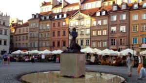 Syrenka, symbol of Warsaw
